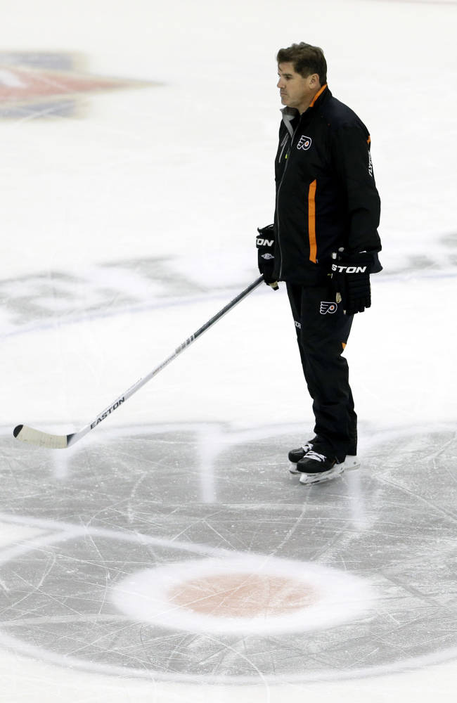 Winless Flyers fire Laviolette; Berube takes over