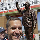Miami (Ohio) honors Ravens' Harbaugh with statue (Yahoo Sports)
