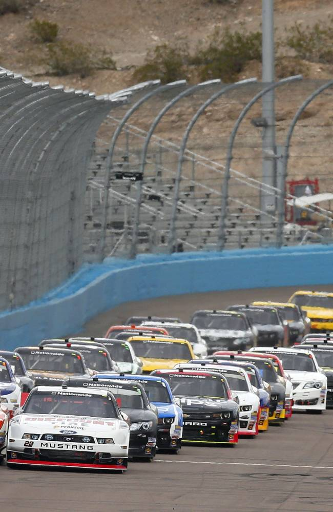 Busch wins third straight at PIR