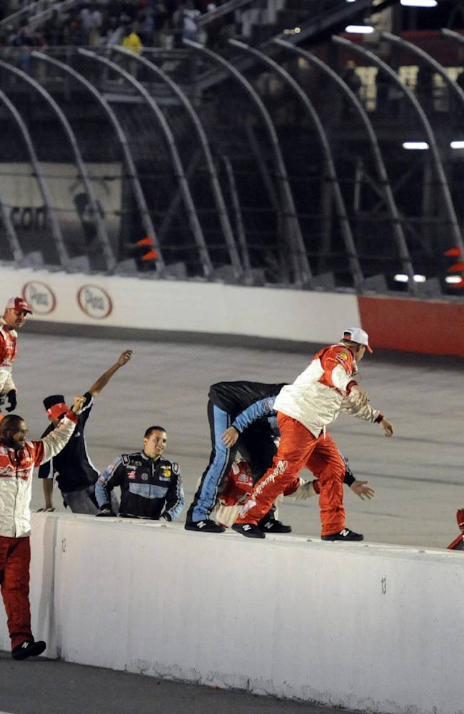 Harvick marks himself a contender with win