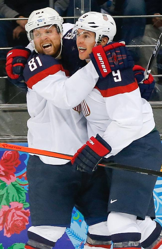US tops Czechs 5-2, moves to Olympic hockey semis