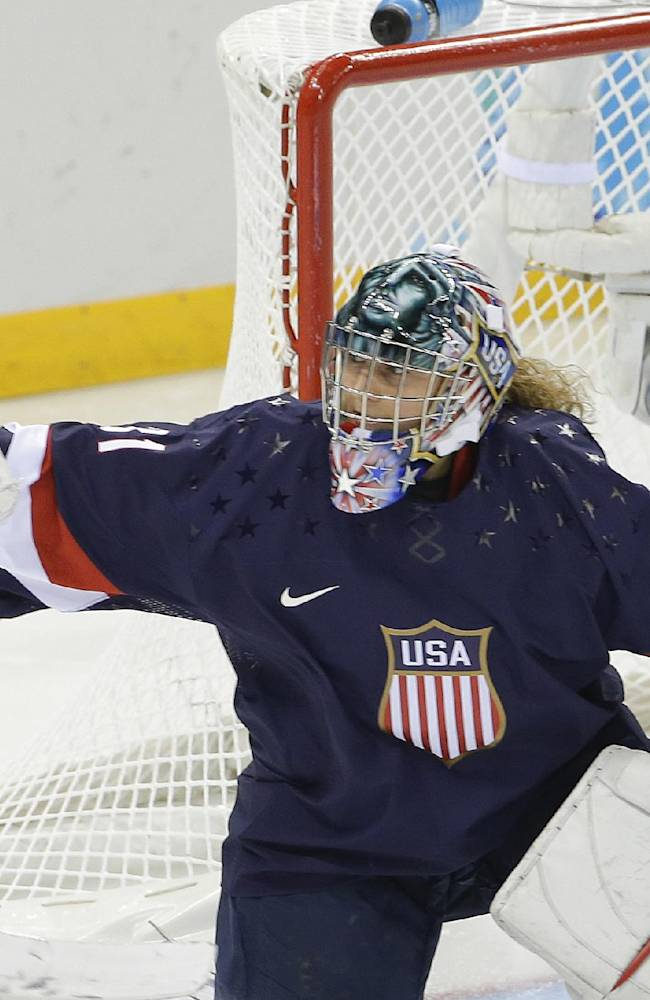 US women coast past Sweden 6-1 in Olympic hockey