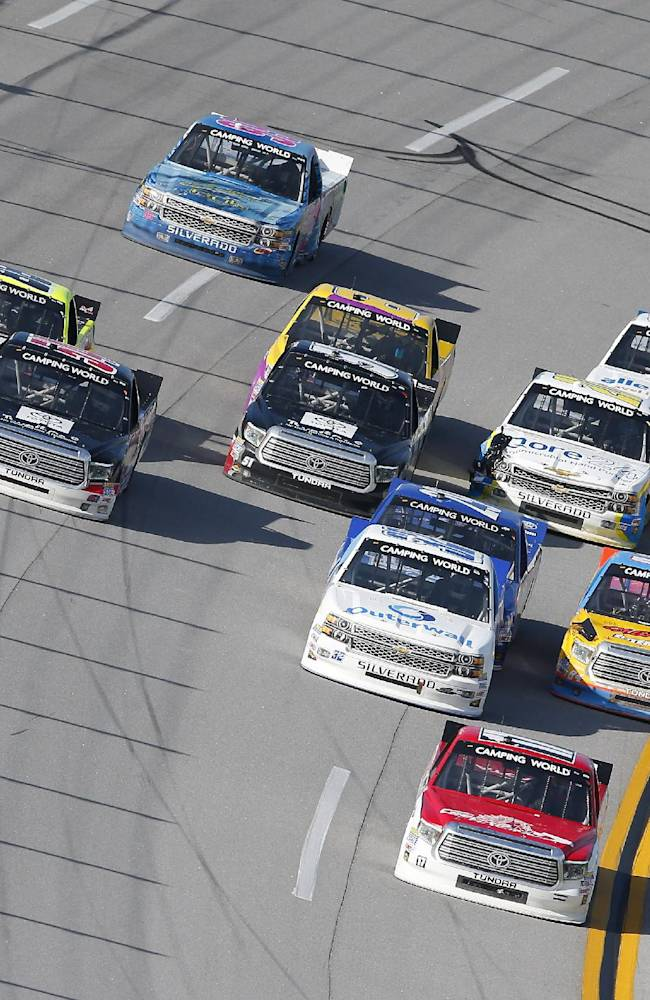 Vickers wins pole in strange Talladega qualifying