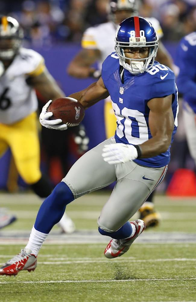 AP Sources: WR Cruz signs contract tender