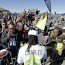 Kansas City Chiefs' Jamaal Charles signs autographs after a practice session at Luke Air Force Base for the NFL Football Pro Bowl Thursday, Jan. 22, 2015, in Glendale, Ariz The Associated Press