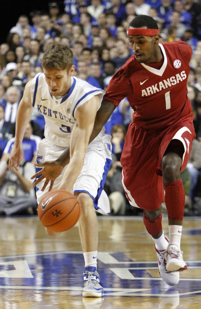 Surging Arkansas hopes to stay focused after win