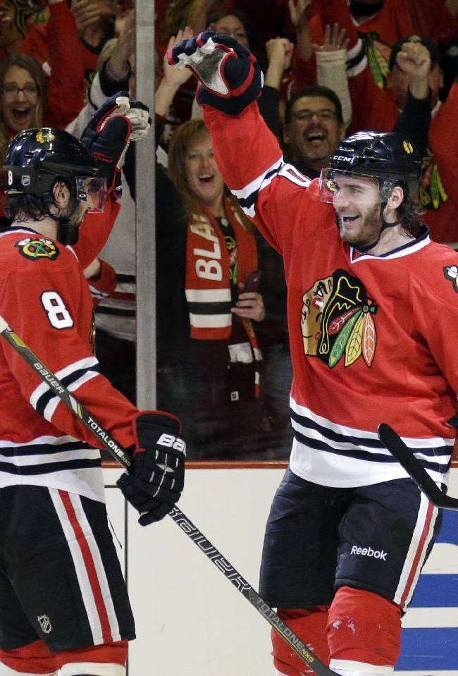 Bickell powers Blackhawks past Wild 4-1 in Game 2
