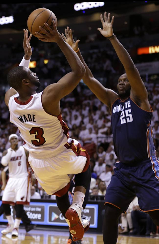 Bobcats C Jefferson: I'll play in Game 2 vs. Heat