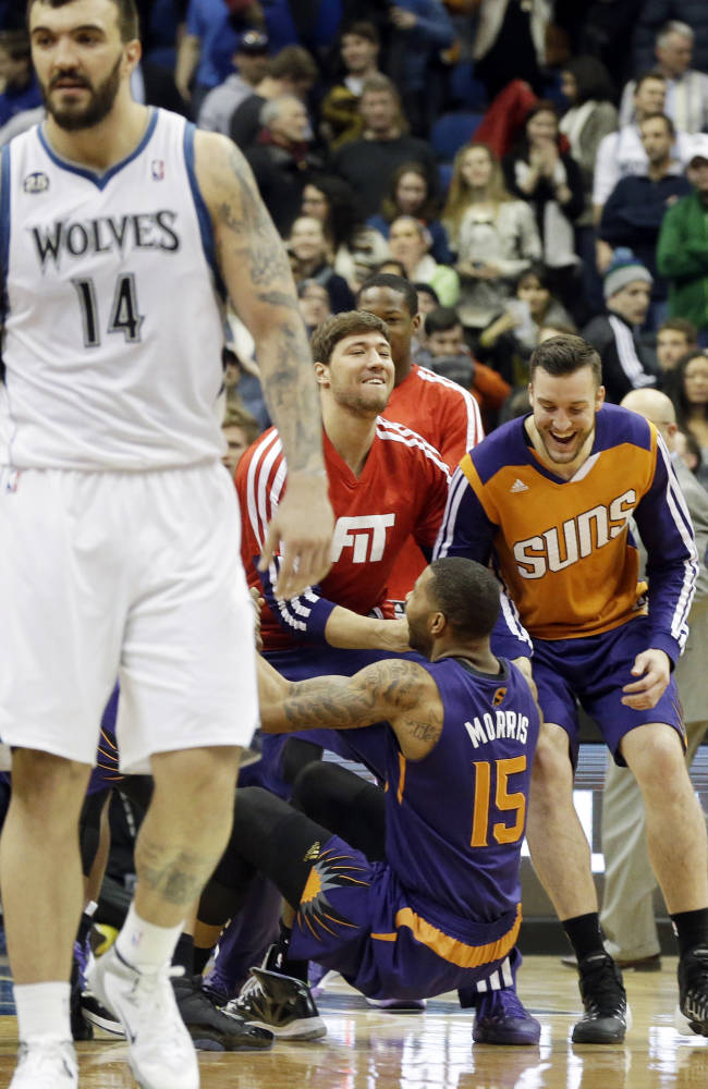 Wolves try to get on same page after rough night