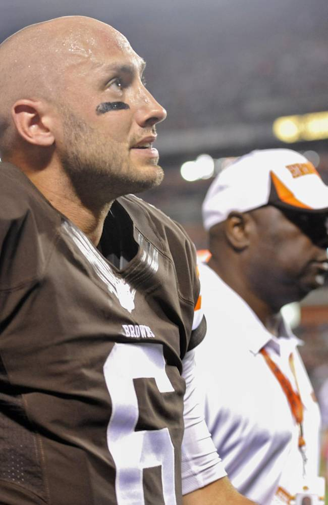 Browns QB Hoyer's season ended by knee injury