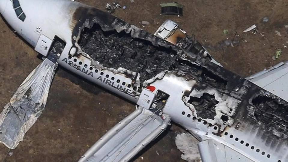 Investigators probe deadly Asiana crash landing