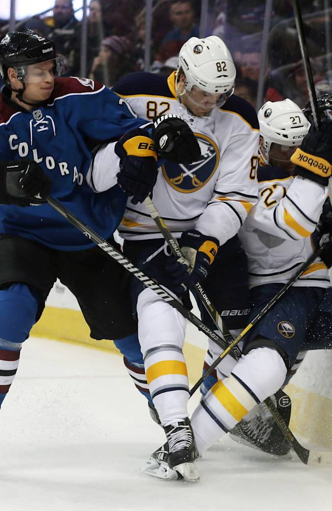 Avalanche pound Sabres 7-1