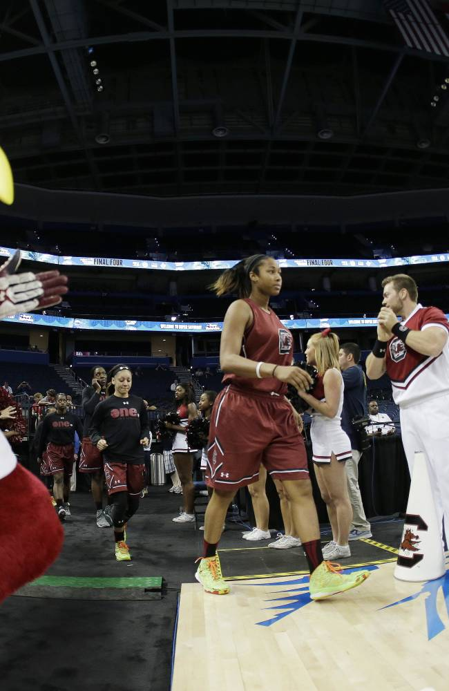 South Carolina the new No. 1 in women's hoops attendance