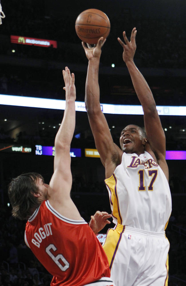 Pacers sign Andrew Bynum for rest of season