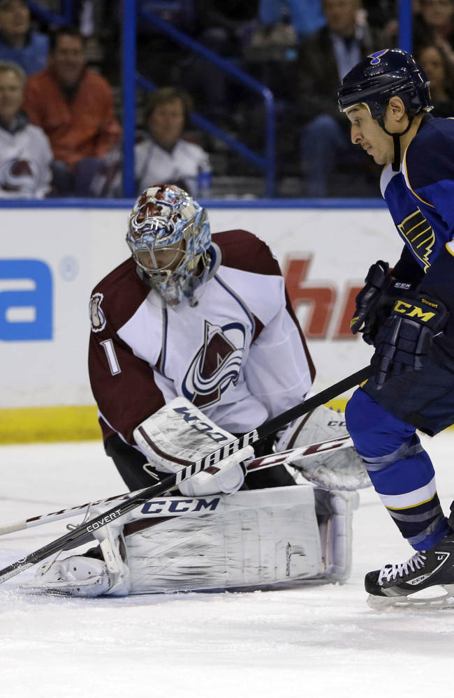 Steen scores 2 to lead Blues to 7-3 win over Avs
