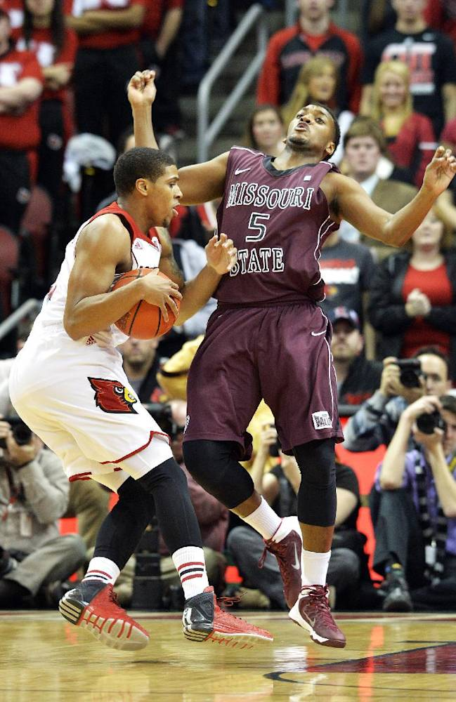 No. 6 Louisville blows out Missouri State, 90-60