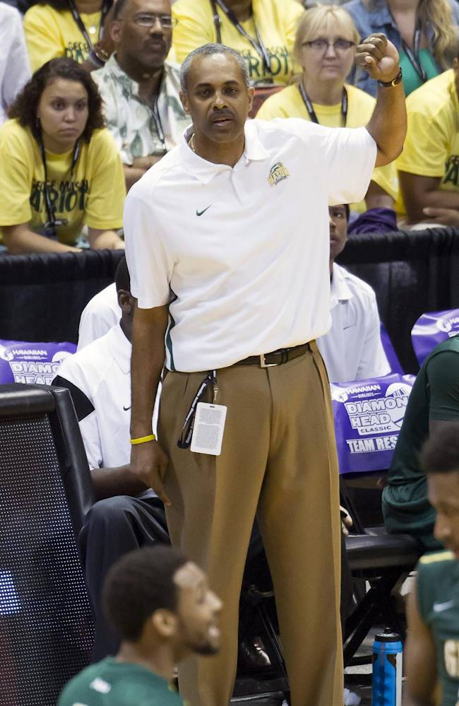George Mason head coach Paul Hewitt signals in a play in the second half of an NCAA college basketball game at the Diamond Head Classic, Monday, Dec. 23, 2013, in Honolulu. Oregon State won 58-54