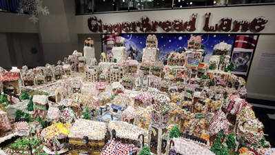 NY Hosts World's Largest Gingerbread Exhibit