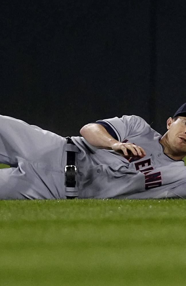 Tribe tops ChiSox 7-1, half-game out in wild card
