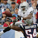 New England Patriots outside linebacker Dont'a Hightower (54) breaks up a pass intended for Oakland Raiders running back Darren McFadden in the second half of an NFL football game Sunday, Sept. 21, 2014, in Foxborough, Mass The Associated Press