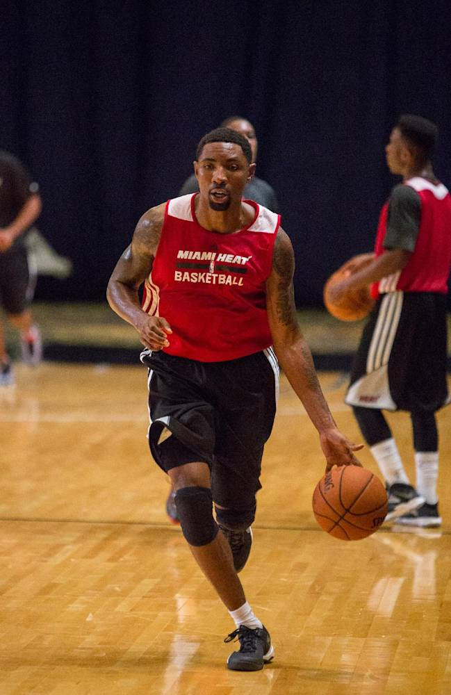 Miami Heat guard Roger Mason Jr. trains with his team at the Atlantis resort on Paradise Island, Bahamas, Wednesday, Oct. 2, 2013. The two-time defending NBA champions are holding a one week training camp at the resort