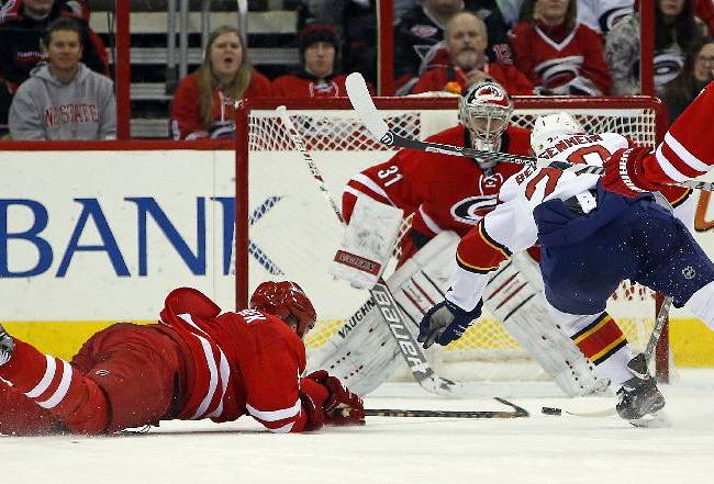 Semin helps Hurricanes edge Panthers 3-2