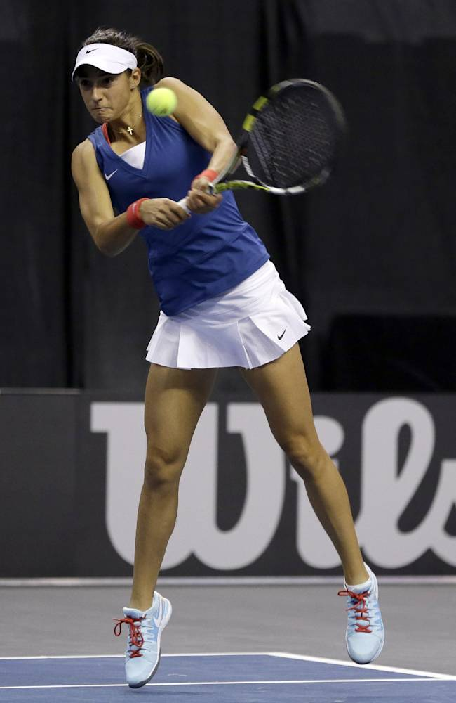 France edges US 3-2 in Fed Cup