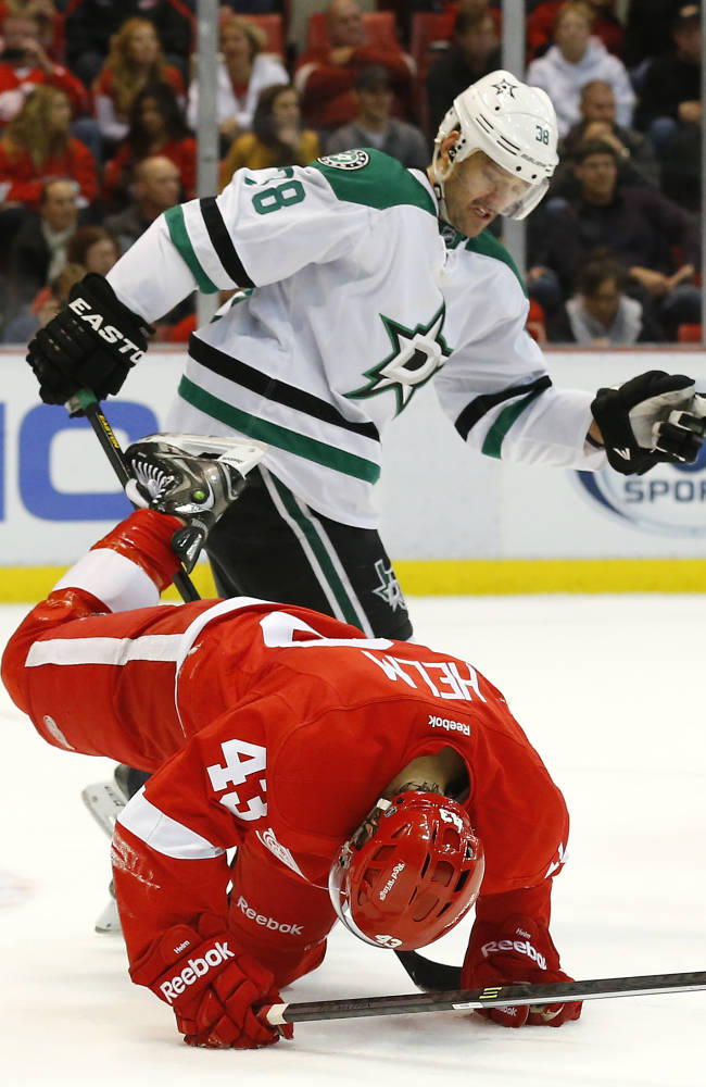 Stars slip past Red Wings 4-3 in OT
