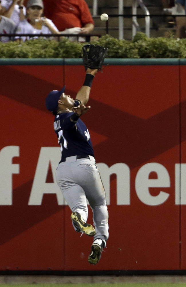 Adams' homer lifts Cardinals over Brewers