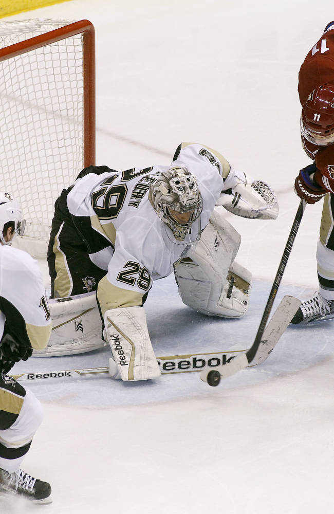 Rare Michalek goal helps Coyotes beat Penguins 3-1