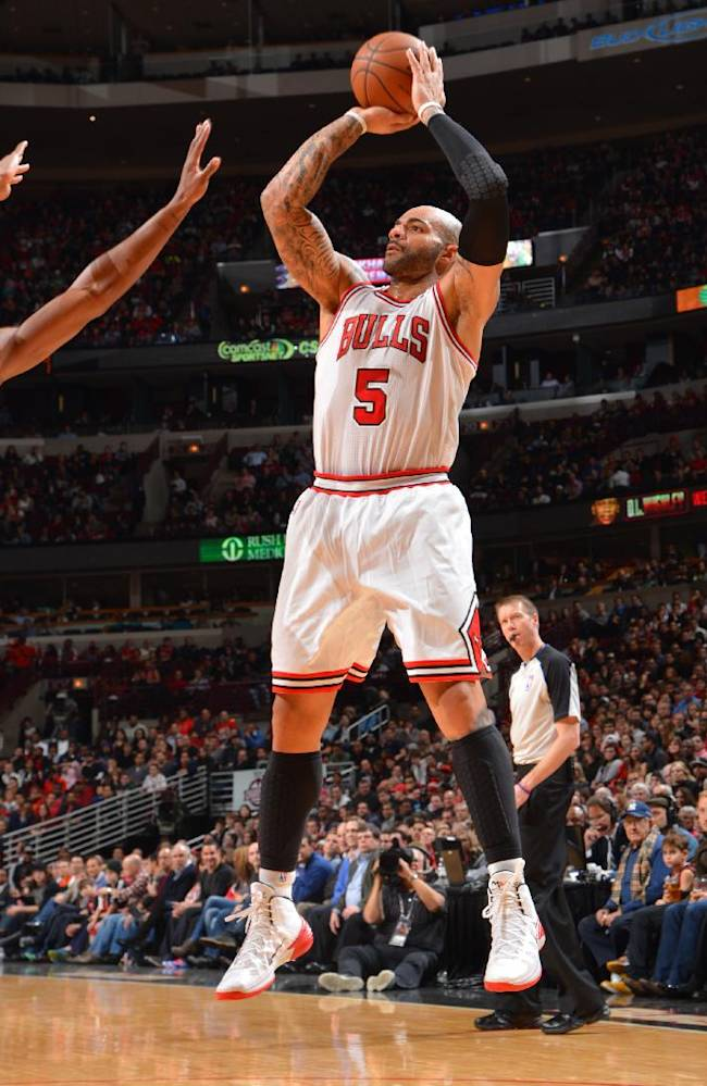 Boozer leads Bulls to 107-87 win over Heat