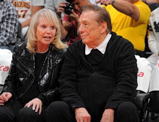 LOS ANGELES, CA - APRIL 1: Los Angeles Clippers owner, Donald Sterling and Rochelle Sterling, attend a game against the Indiana Pacers at Staples Center on April 1, 2013 in Los Angeles, California. (Photo by Andrew D. Bernstein/NBAE via Getty Images)
