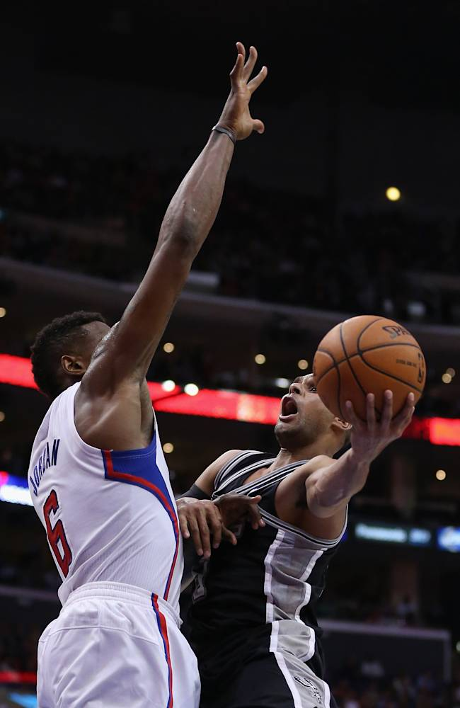 Spurs beat Clippers 113-103 without Tony Parker