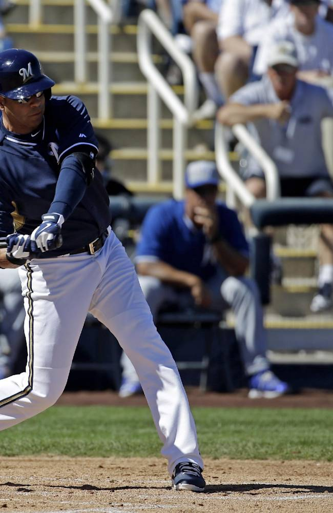 Ramirez hits 3-run double in return to Brewers