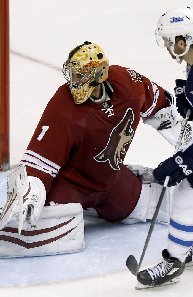 Ladd nets winner in Jets' 2-1 SO win over Coyotes
