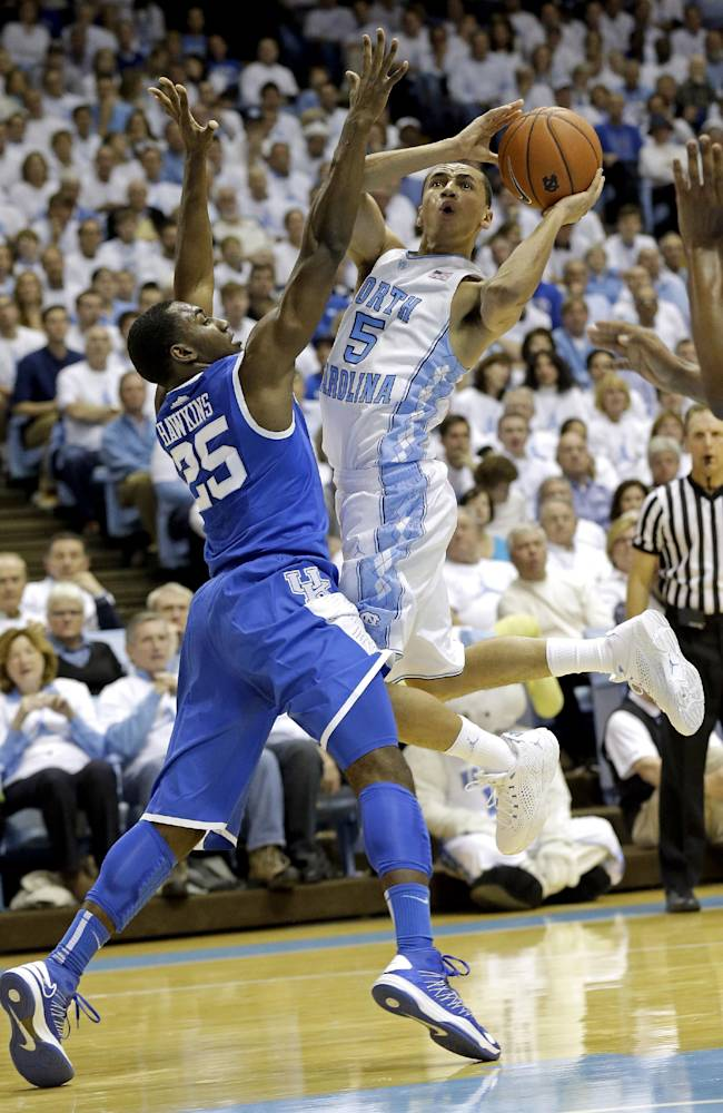 No. 18 North Carolina beats No. 11 Kentucky 82-77