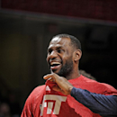LeBron James will play vs Kings after missing 1 game (Yahoo Sports)