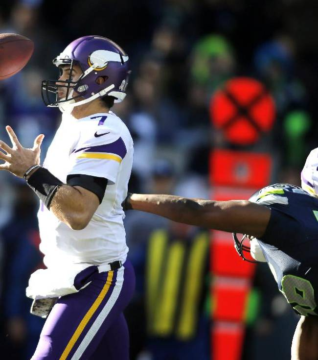 Vikings keep Ponder in place at quarterback