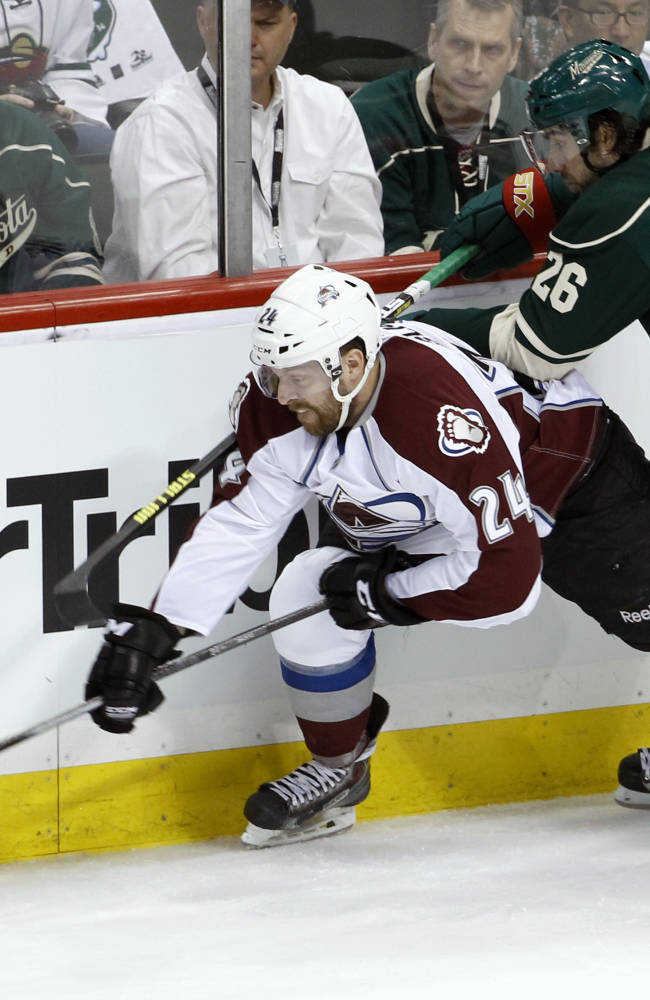 Granlund's dive gives Wild win in Game 3 vs. Avs