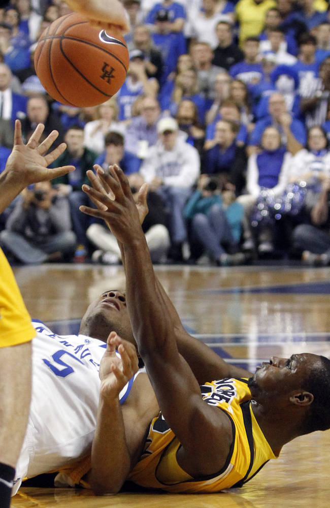 No. 1 Kentucky blows away Northern Kentucky, 93-63