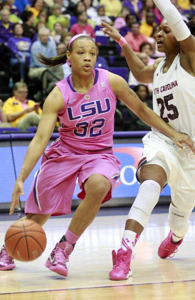 Welch helps South Carolina tops LSU on the road