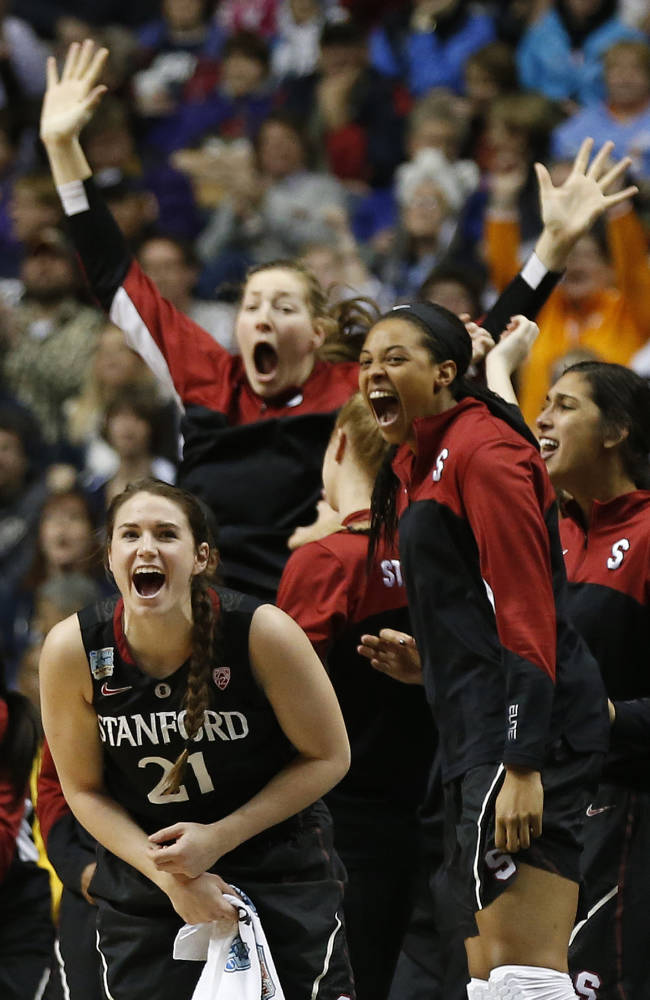 UConn back in title game, beats Stanford 75-56