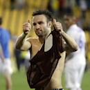 Dynamo Moscow's Mathieu Valbuena gestures to the supporters at the end of the Europa League group E soccer match between Dynamo Moscow and Estoril at the Antonio Coimbra Da Mota stadium, in Estoril, Portugal, Thursday, Oct. 23, 2014. Dynamo Moscow won 2-1