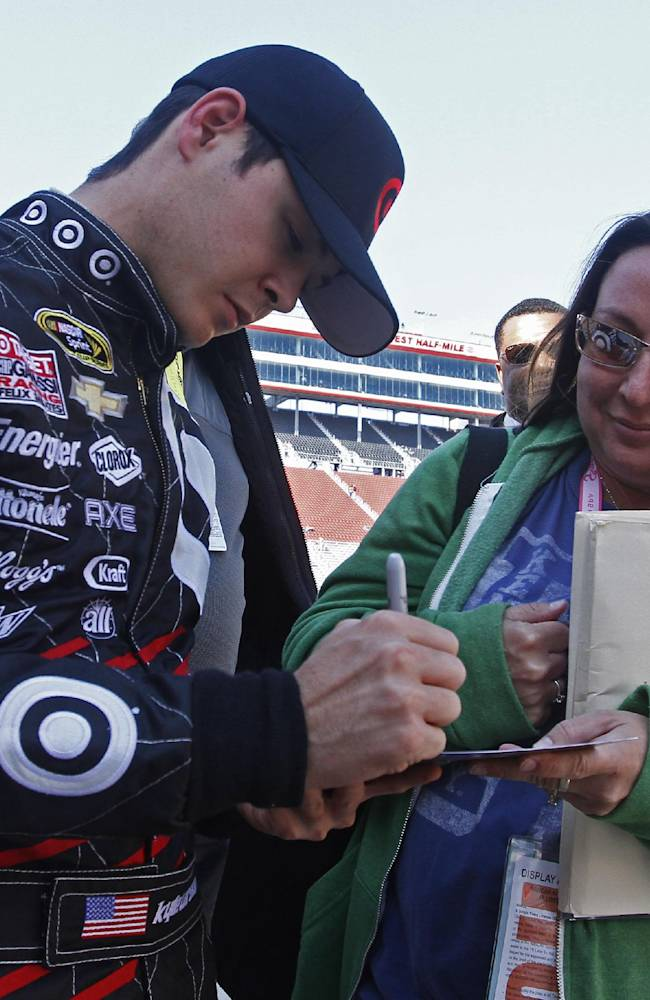 Kyle Busch wins at Bristol - again
