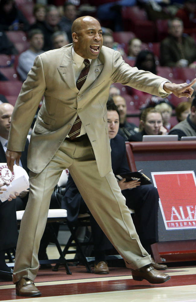 Mississippi State Head Coach Rick Ray reacts during an NCAA basketball game, Wednesday, Jan. 15, 2014 in Tuscaloosa, Ala