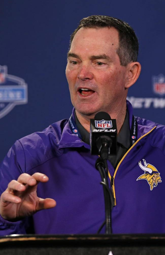 Once again, Vikings have QB decision to make