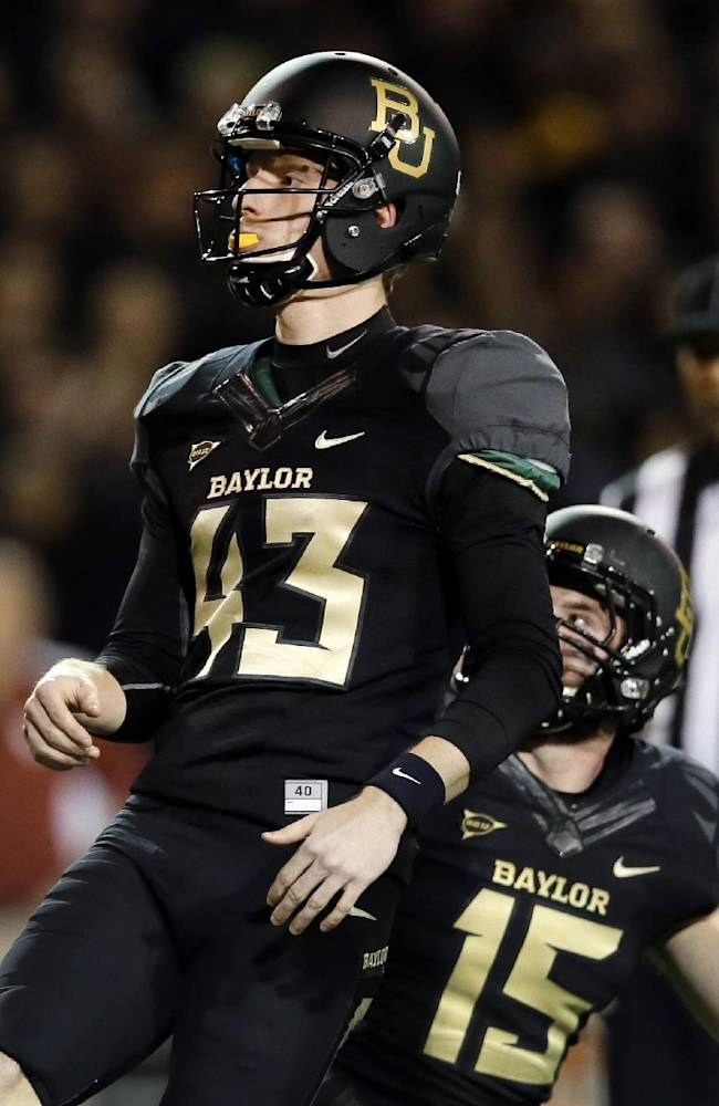 Baylor K Aaron Jones kicking up NCAA record
