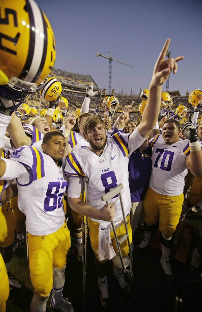 Mettenberger's LSU career ends with knee injury