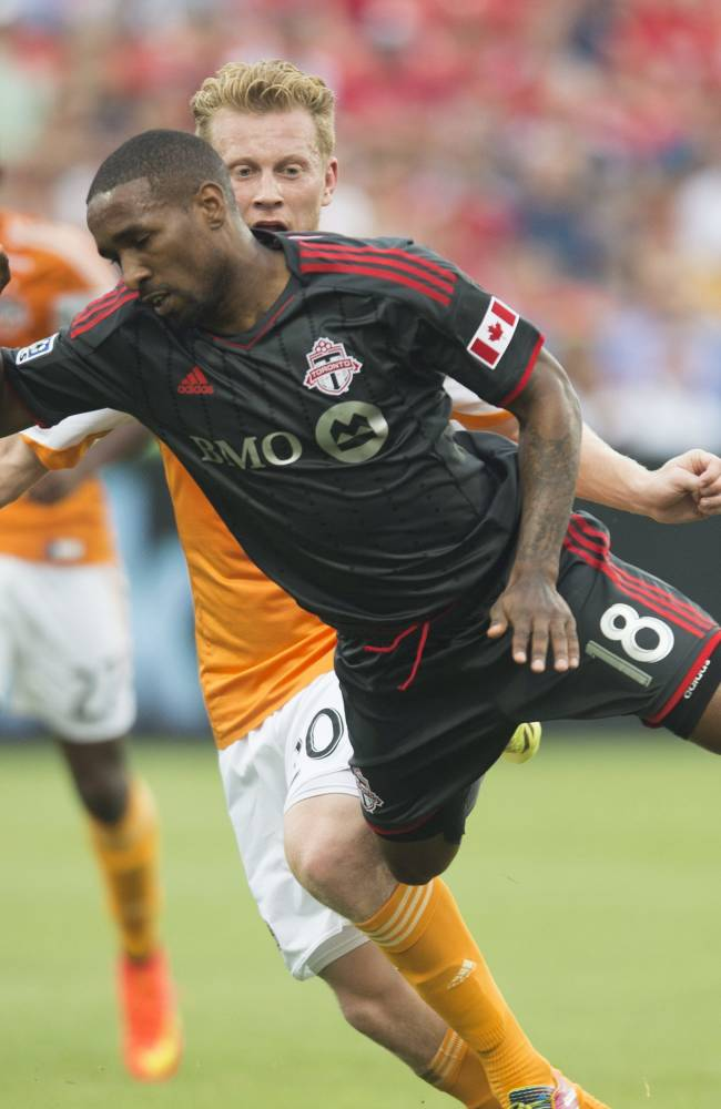 Defoe leads Toronto FC past Houston 4-2