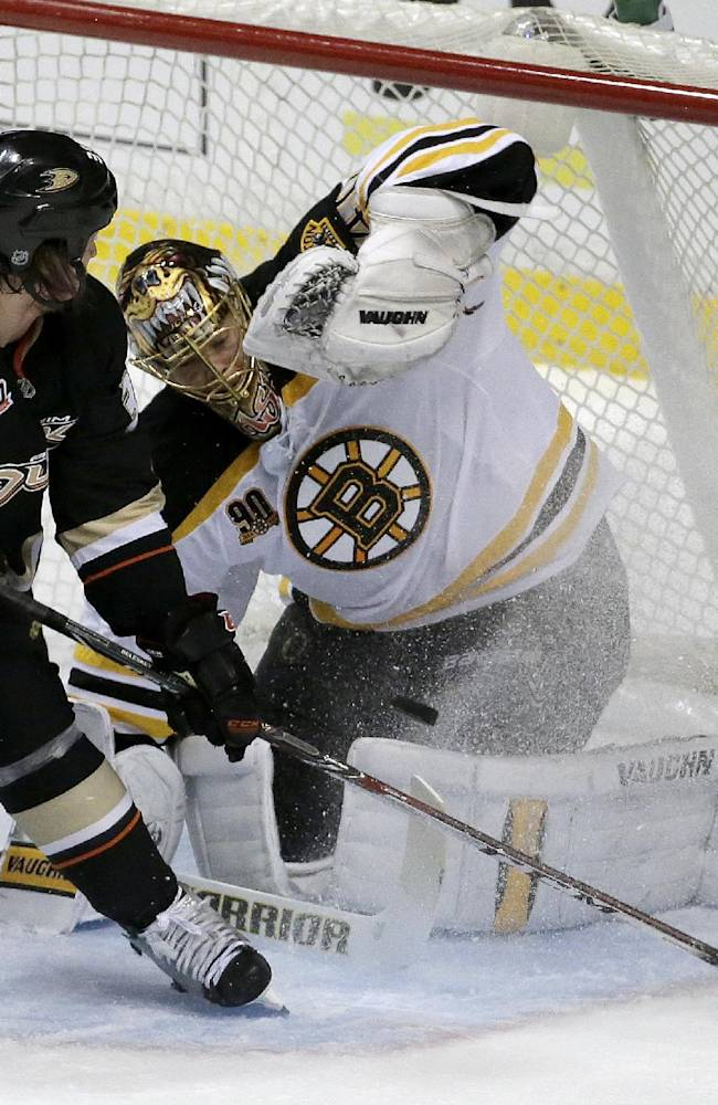 Perreault's 2 goals lead Ducks past Bruins 5-2